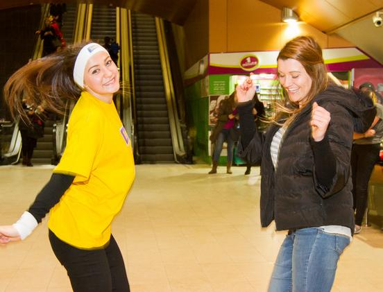 Танци в метрото